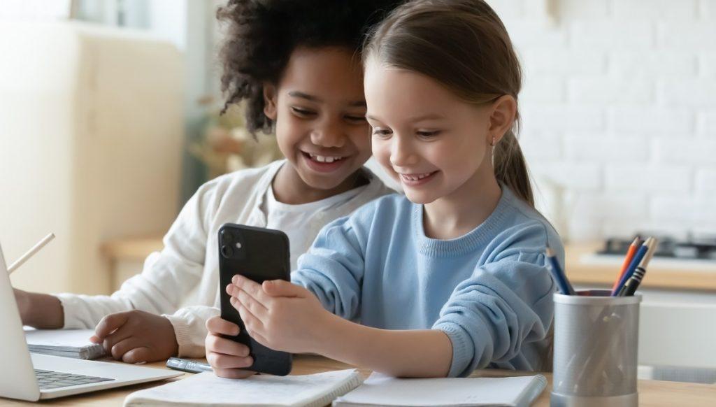 Ed Tech girls online studying